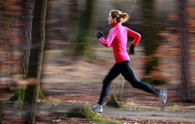 пробежка помогает побороть хандру и стресс