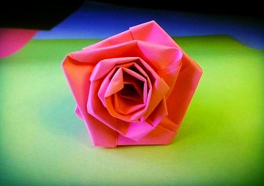 бумажная роза поделка