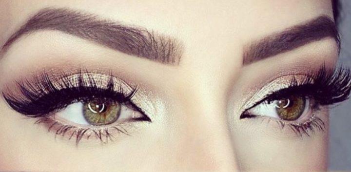 красивые брови и выразительные глаза