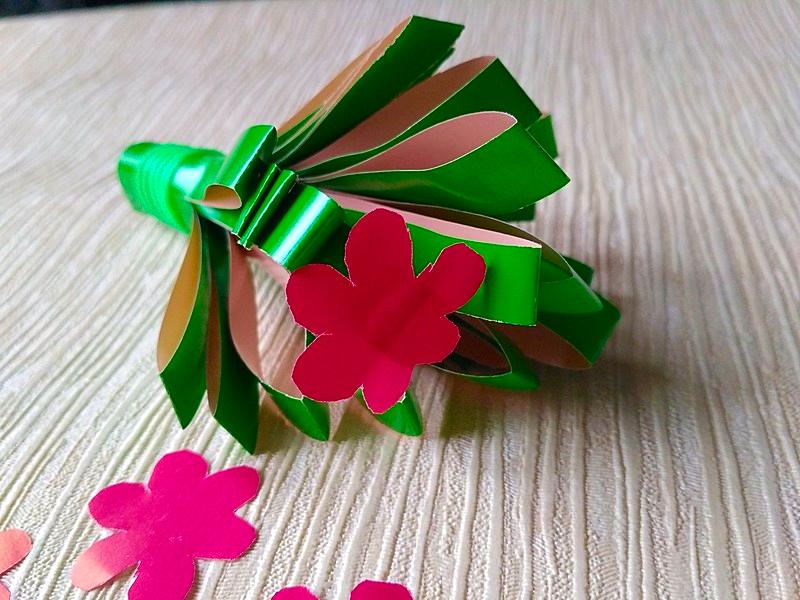 бумажный букет цветов