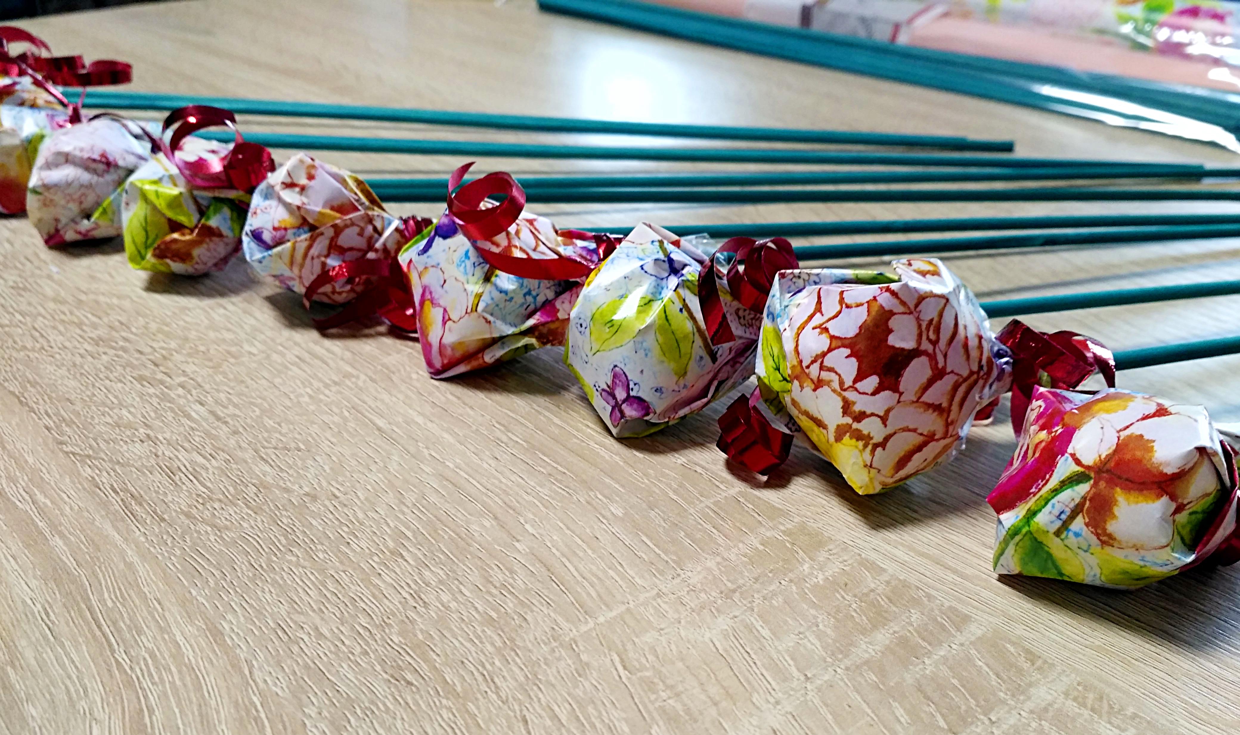 конфеты на палочке
