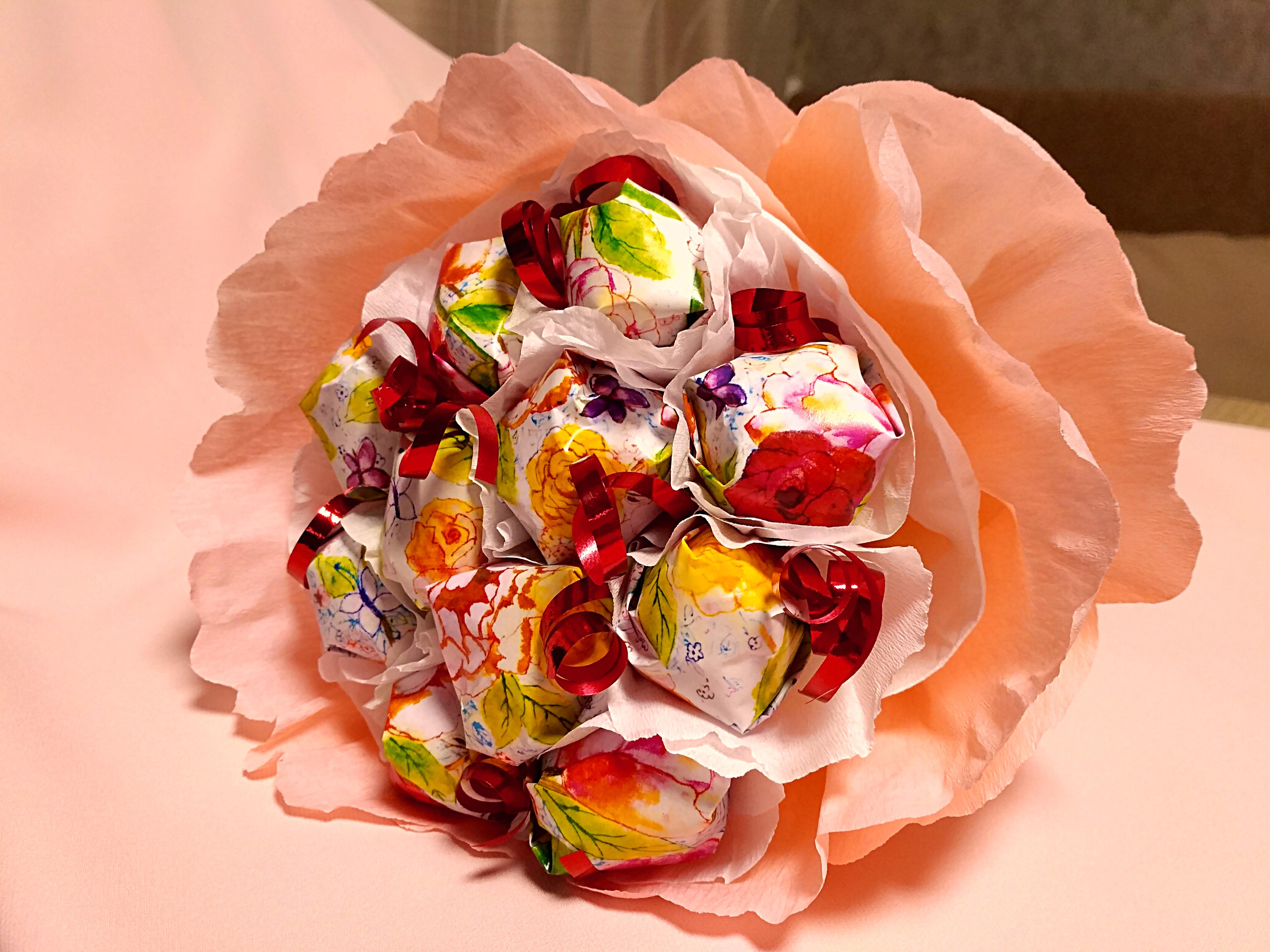 Ручные букеты из конфет фото, заказать цветы