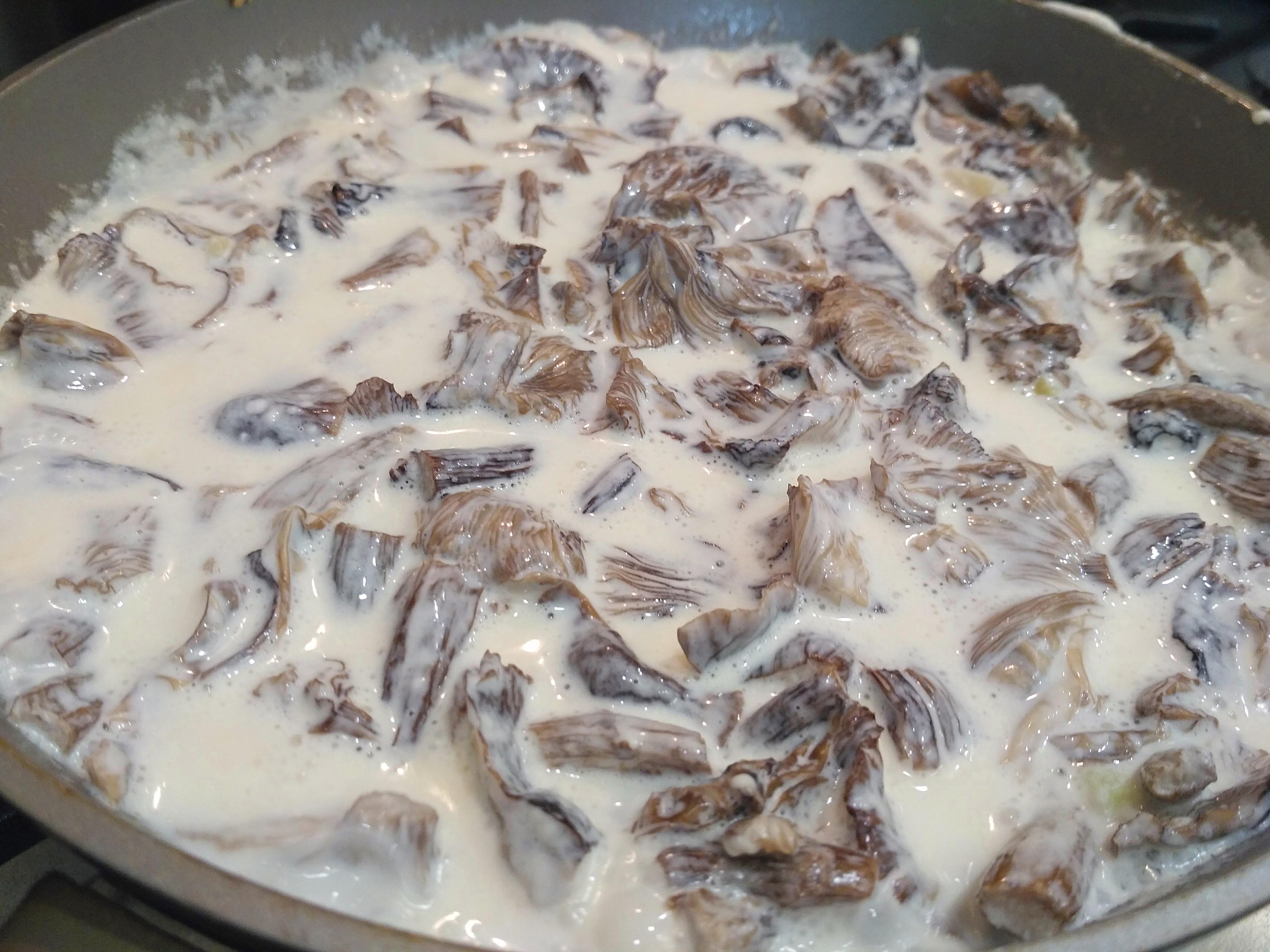 грибы в сметане
