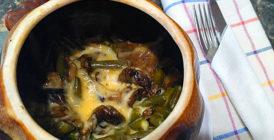 запеченые в гаршочке грибы с сыром и фасолью