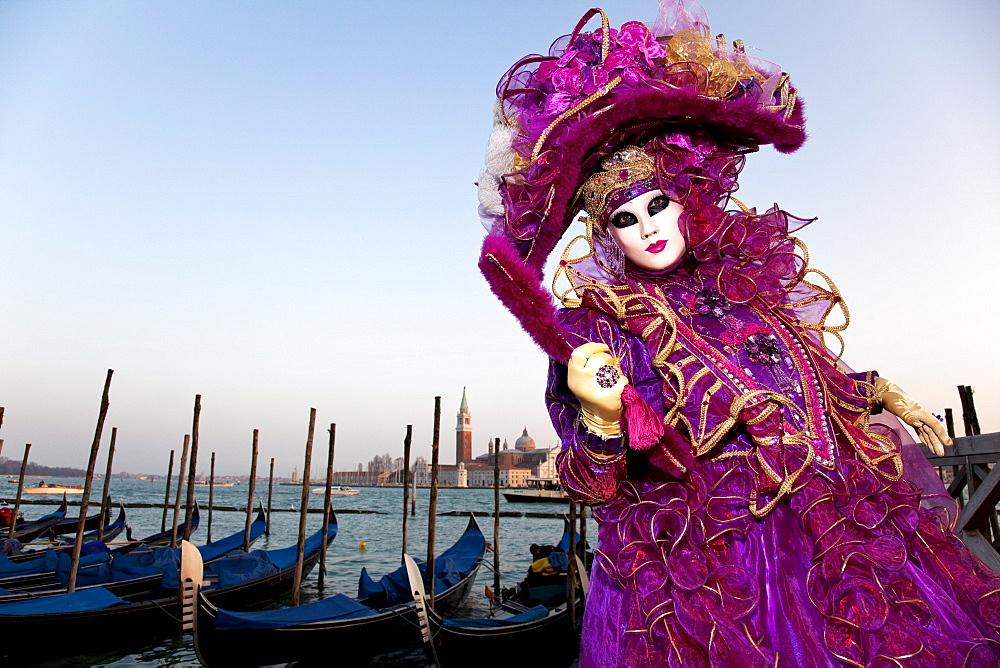 участница венецианского карнавала