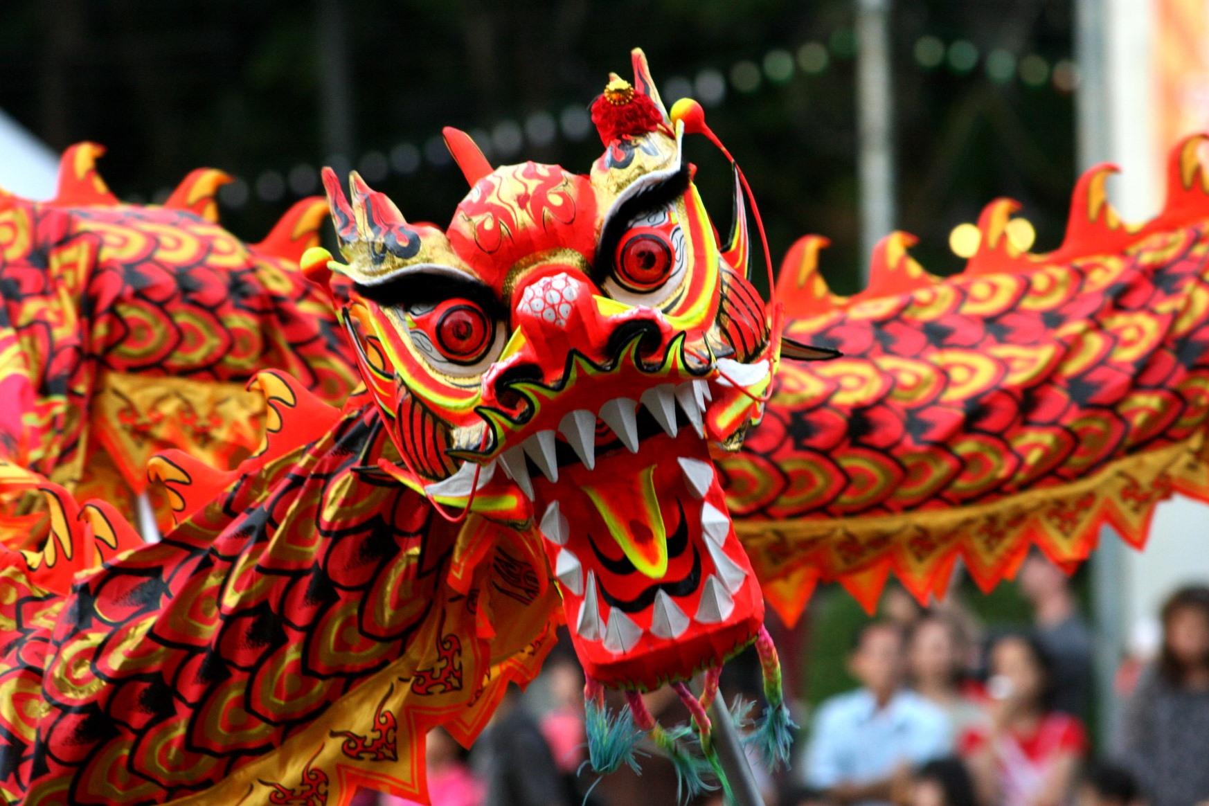 китайский дракон на фестивале