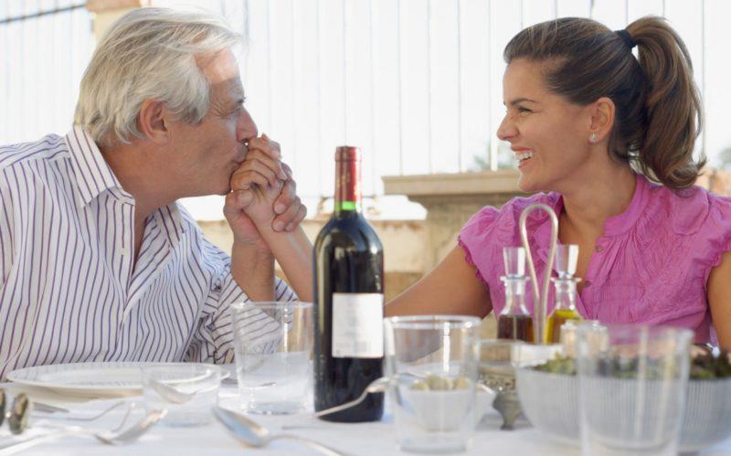 Попадая в вихрь любовных событий, возраст не заметен