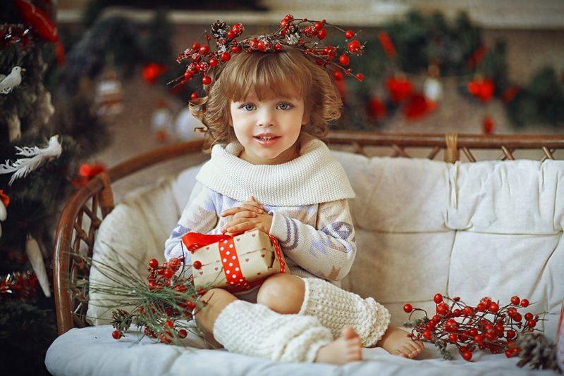 Дети принимают участие в празднике Рождества с интересом и удовольствием.
