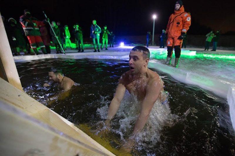 Северо-восток встретит купающихся людей в Останкинском пруду
