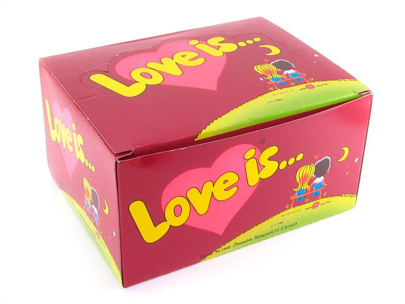 Набор жевательной резинки «love is…» на день влюбленных.