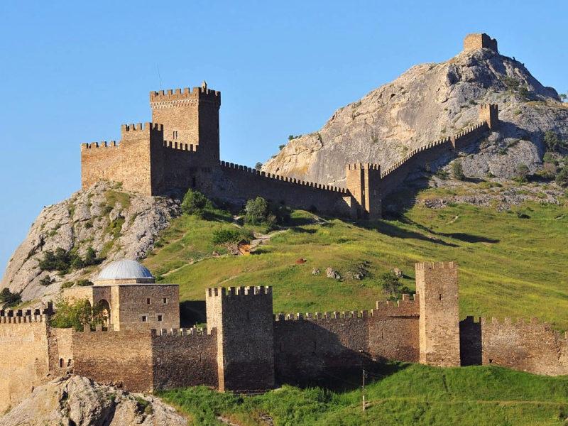 Генуэзский форт в Тунисе на скалистом островке