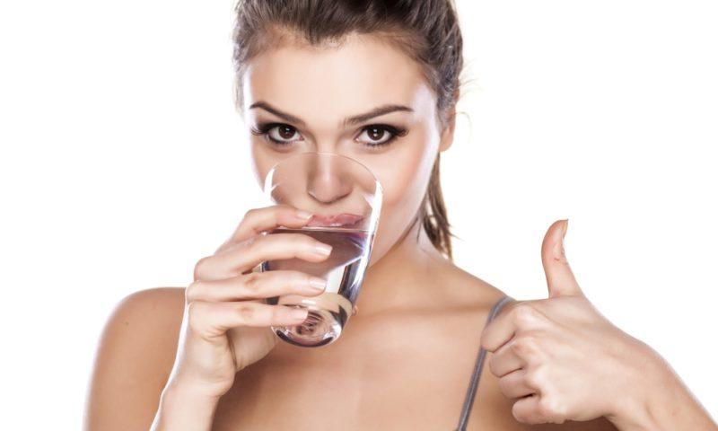 Вода – снабжает кожу влагой