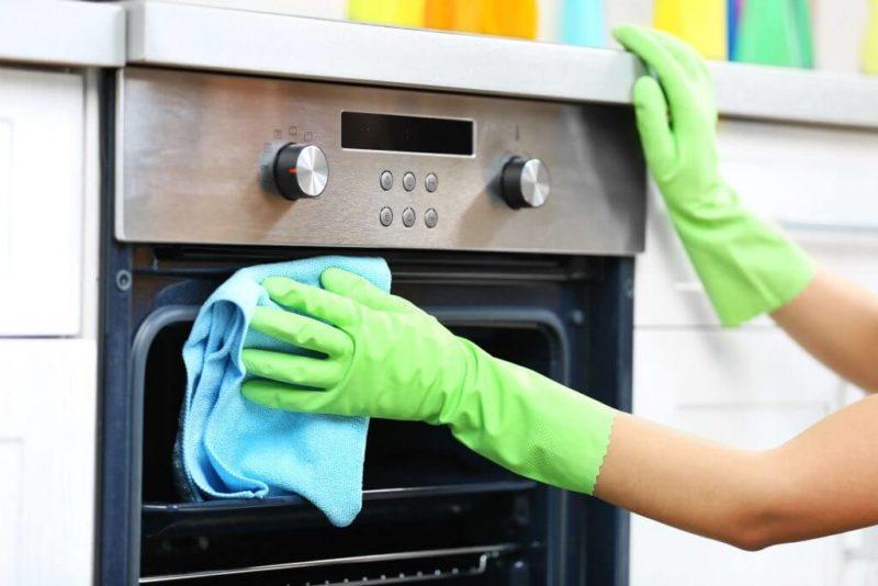 Как отмыть духовку от нагара