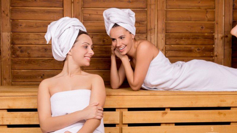 Посещение бани во все времена было актуально. Помогает скинуть лишние кило