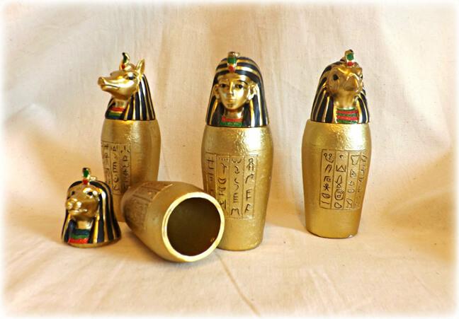 губная помада «пришла» к нам из Древнего Египта.