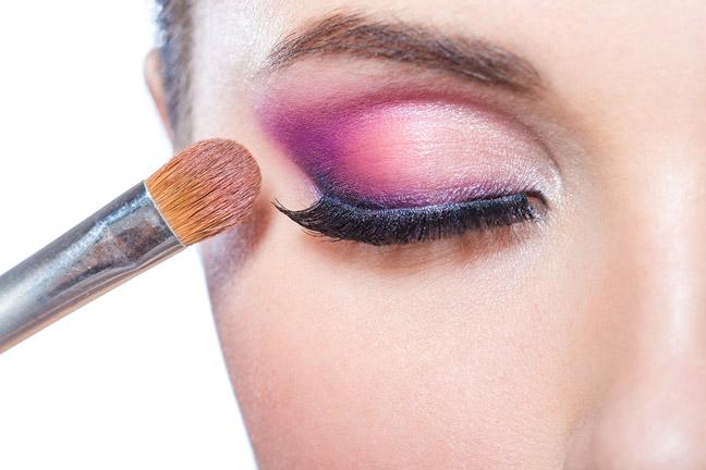 розовые оттенки летнего макияжа