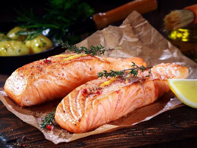 Рыба богата лецитином