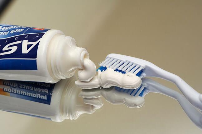 Растворить спирт в зубной пасте