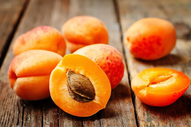 фруктовая маска для губ с абрикосом