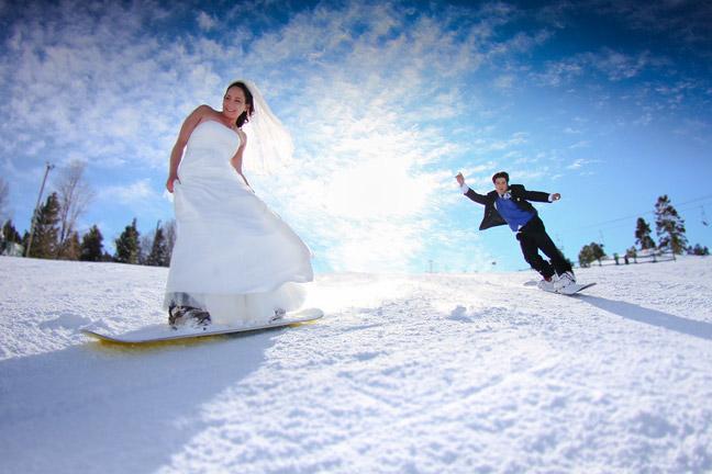 Молодожёны на лыжах