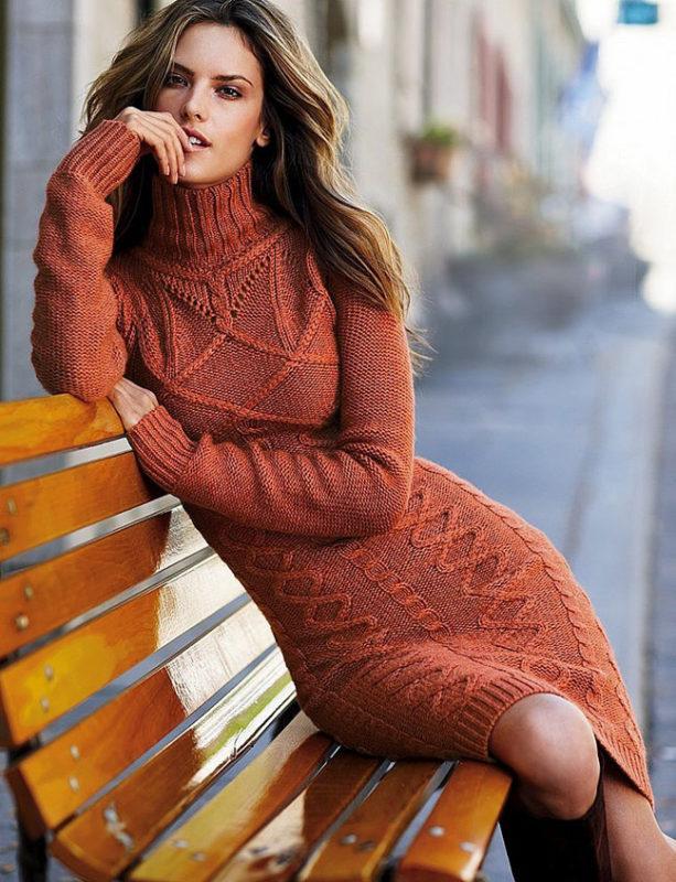 Вязаное фактурное платье  в тренде