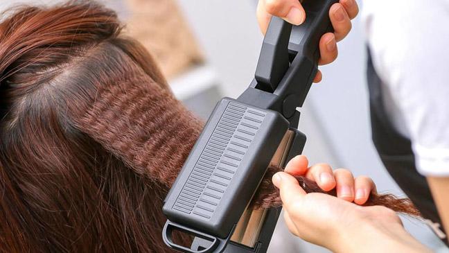 Плойка придаст волосам объём