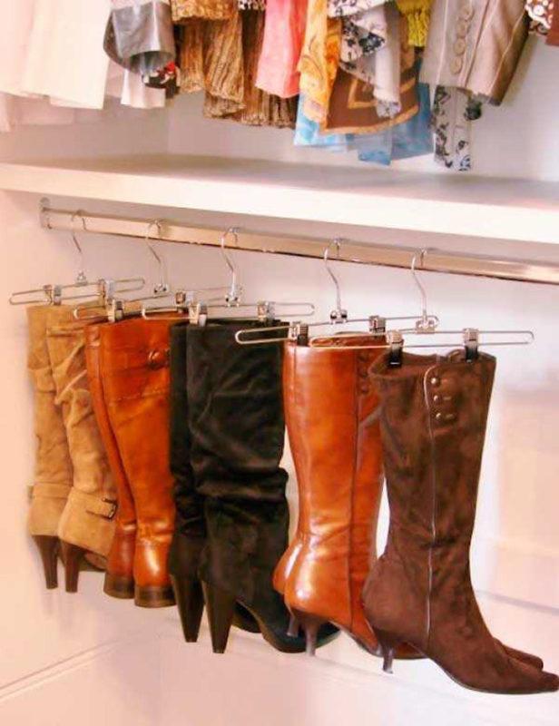 Хранение обуви на вешалке с клипсами