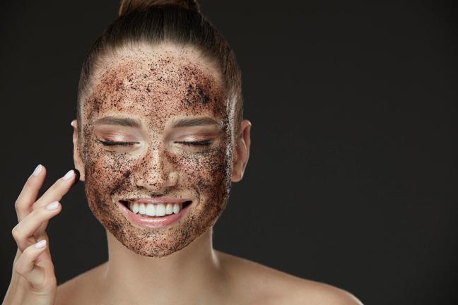 можно не просто пить кофе, а ухаживать за кожей.