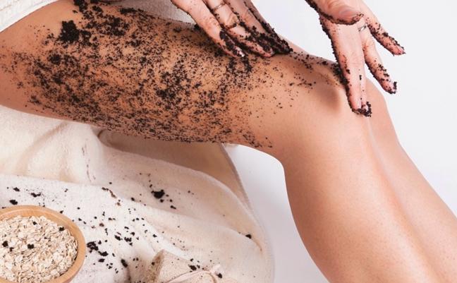 Кофе необходимо наносить на чистую влажную кожу