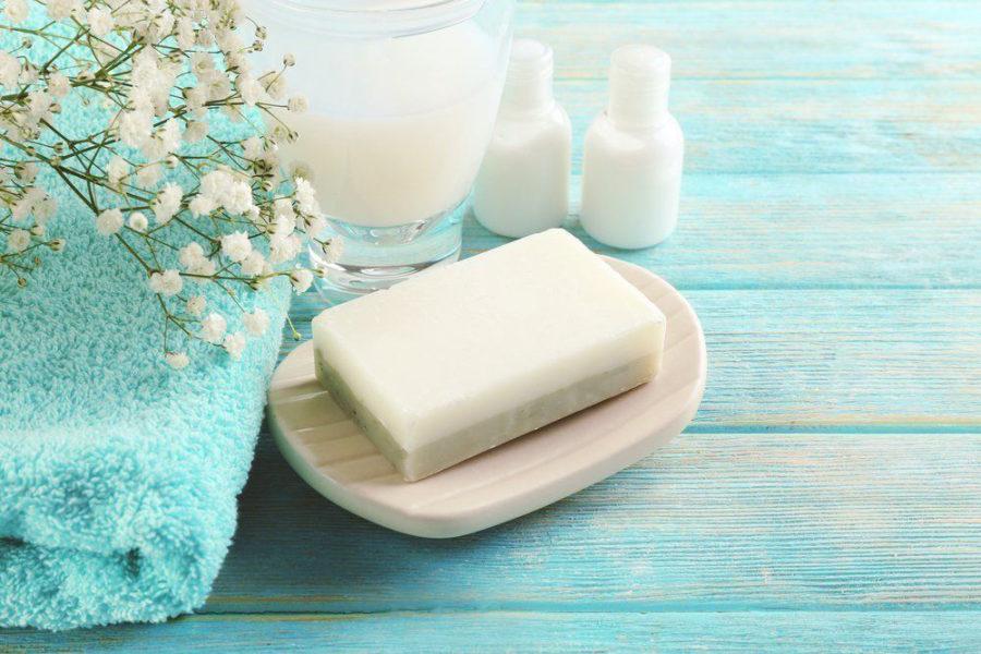 Сохранить целостность мыла поможет фольга.