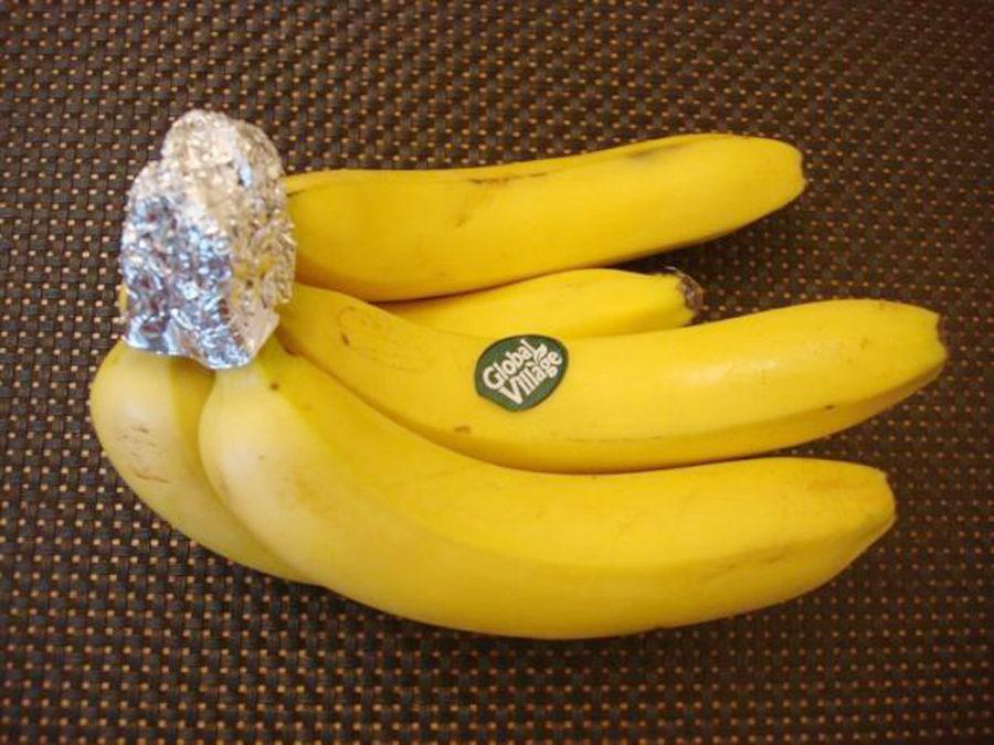 Фольга и свежие бананы