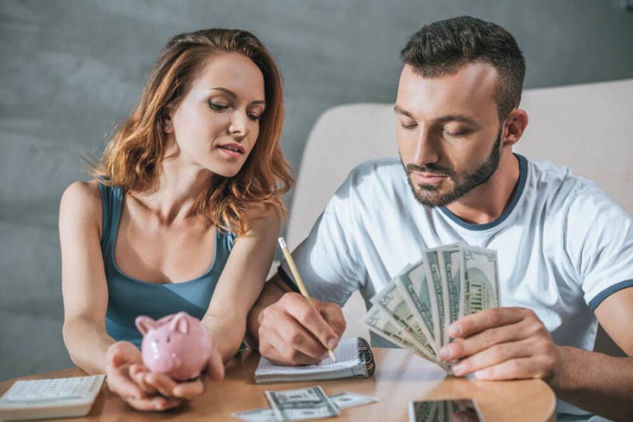 контролировать свои доходы и расходы