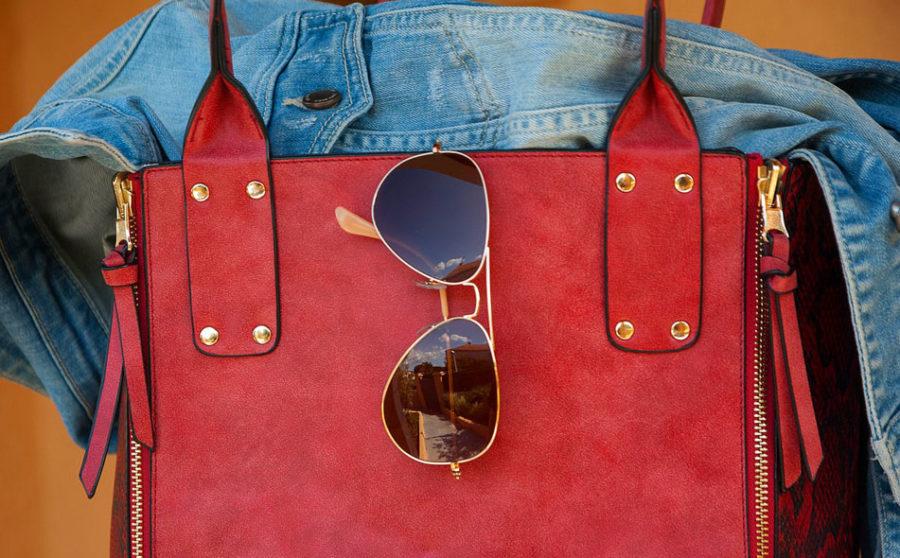 аксессуар, как сумка очень важен для женщины.