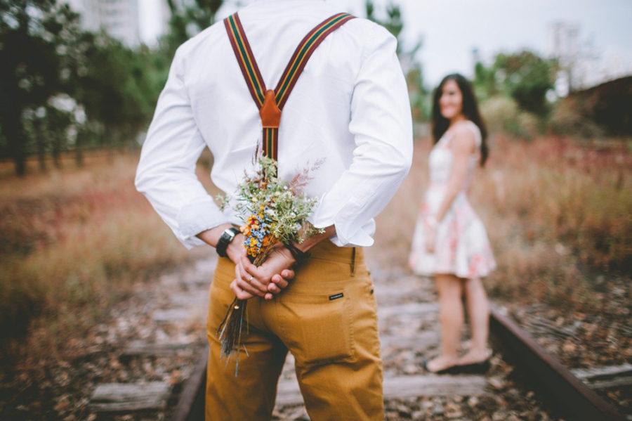 Женщина старается для своего мужчины